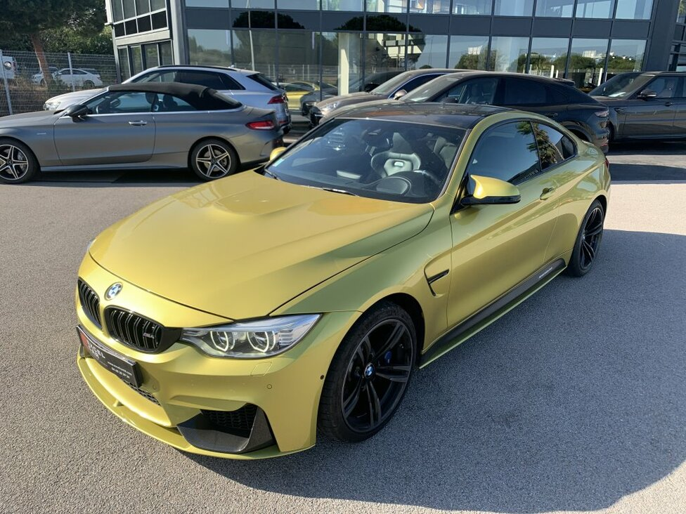 BMW M4 PERFORMANCE COUPE 431 DKG AKRAPOVIC