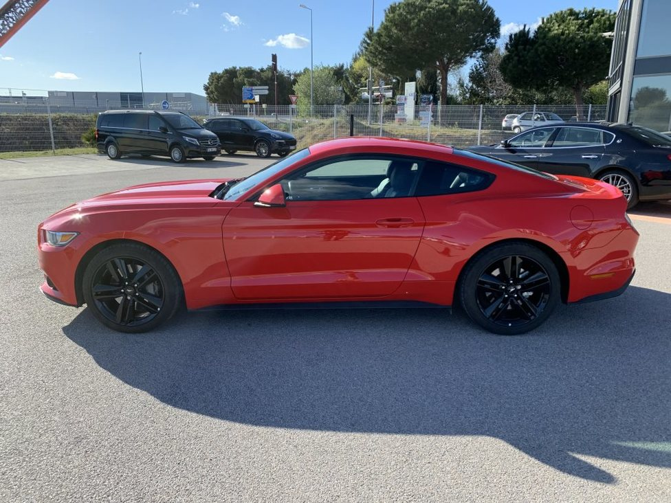 FORD MUSTANG (6) FASTBACK 2.3 ECOBOOST