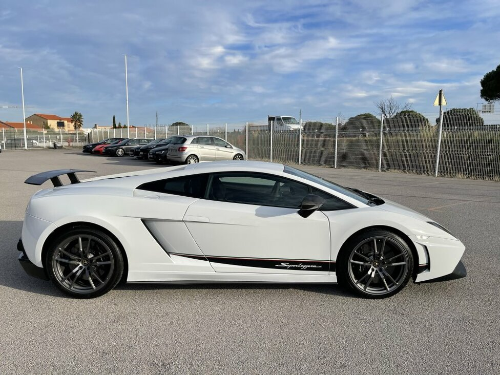 LAMBORGHINI GALLARDO COUPE 5.2 V10 LP 570-4 SUPERLEGGERA E-GEAR