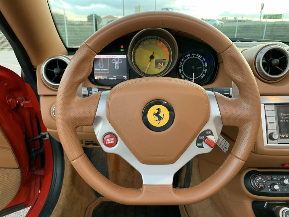 FERRARI CALIFORNIA +30 490
